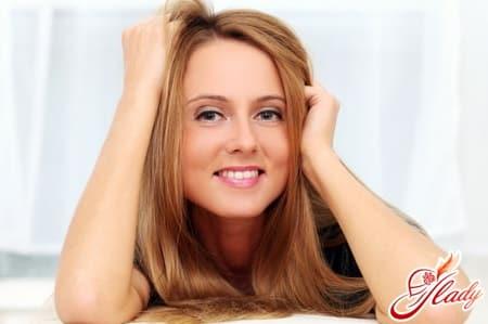 причины появления жирных волос