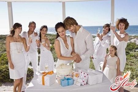 подарки на первые годовщины свадьбы