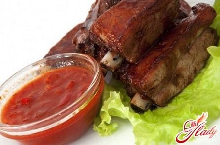 свиные ребрышки с соусом