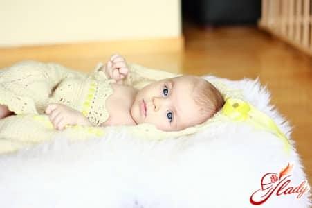 причины появления молочницы у новорожденных