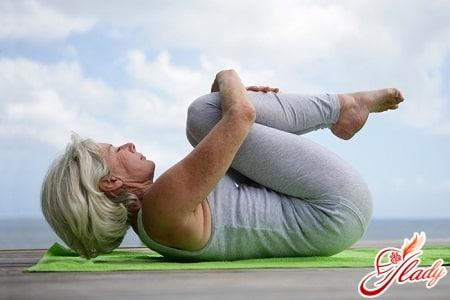 облегчить состояние поможет йога