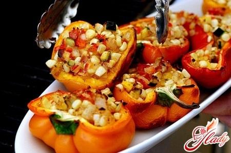 фаршированный овощами перец