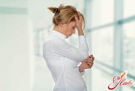частые головные боли во время приливов