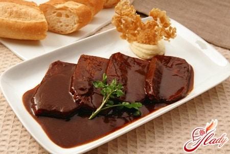 мясо со сливовым соусом