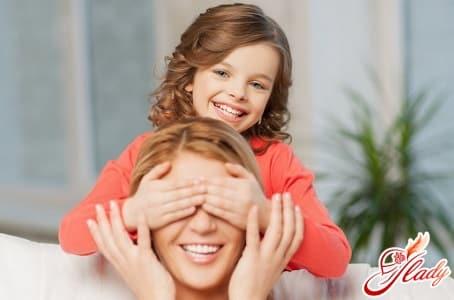 причины появления белого налета на половых губах у женщин и девочек