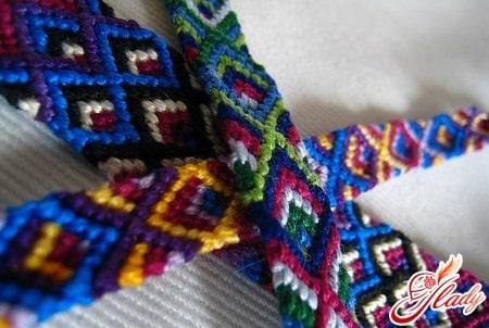 разные плетения фенечек мулине