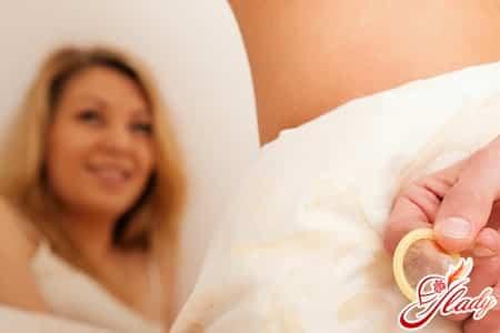 оральные контрацептивы могут стать причиной кровянистых выделений
