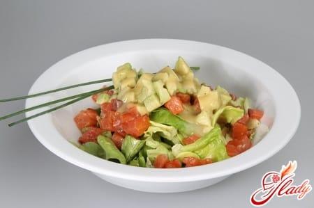 салат на скорую руку с авокадо