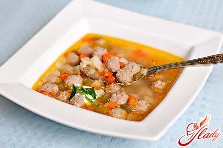 простой и вкусный суп с фрикадельками