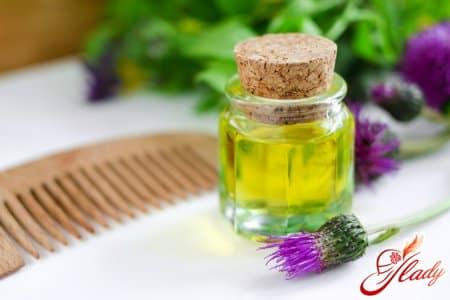Лечение секущихся кончиков репейным маслом