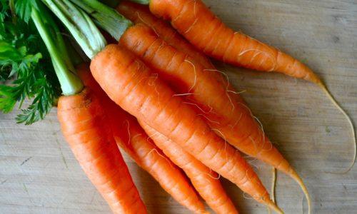 Чтобы приготовить суп-пюре по разрешенному для больных панкреатитом рецепту, потребуется морковь