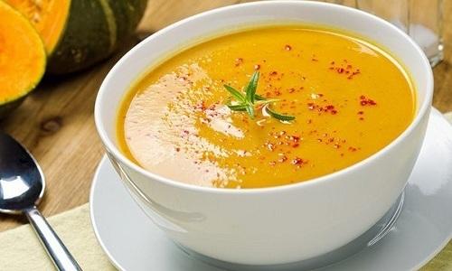 Один из самых простых и полезных рецептов - пюре из тыквы и кабачков