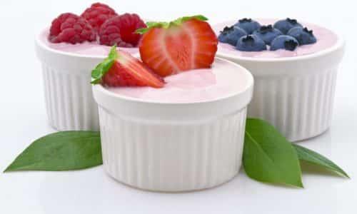 Йогурт более безопасен в плане риска развития поноса. Многие хорошо переносят йогурт, хотя в нем тоже содержится лактоза