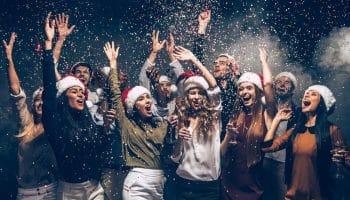 Прикольные песни-переделки на корпоратив к Новому году свиньи 2019